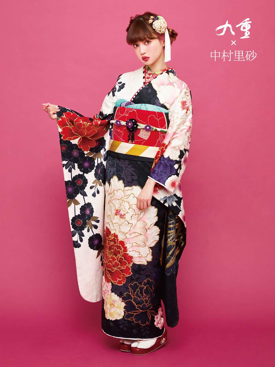 振袖の一蔵 最新コレクション2019 成人式 中村里砂 白 黒